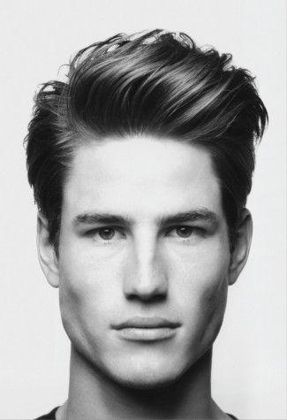 męska fryzura na ślub z włosów uniesionych u nasady