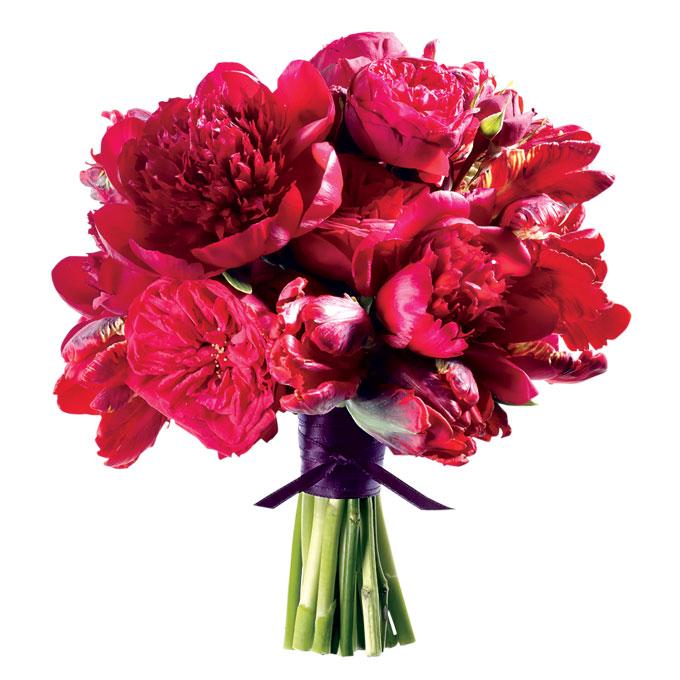 aranżacja kwiatowa z ognistymi piwoniami