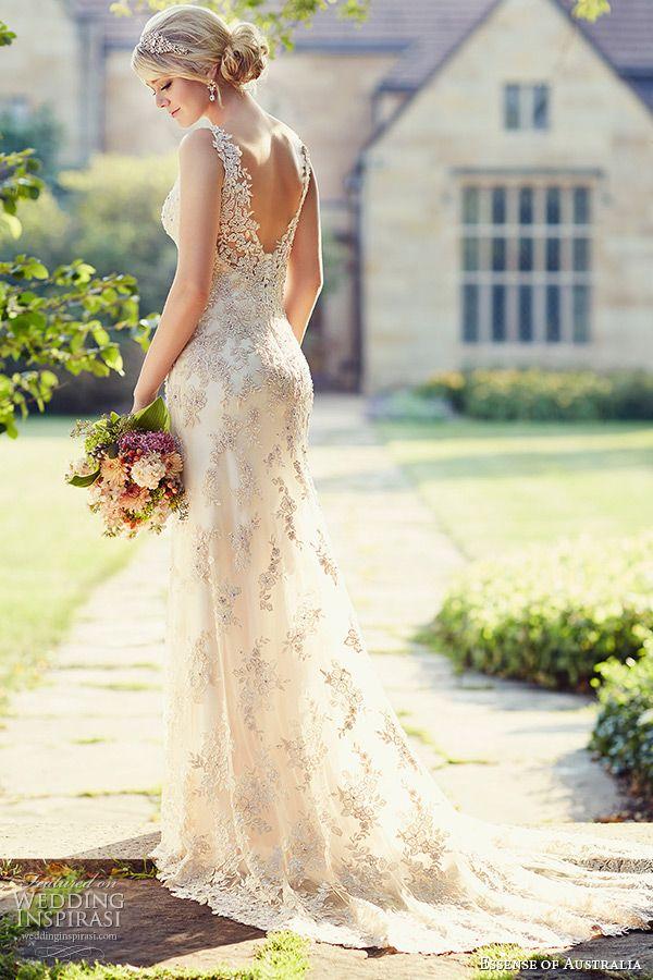 Wybór sukni ślubnej - Panna Młoda w pięknej kreacji