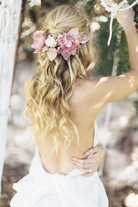 Fryzura ślubna z rozpuszczonych włosów - trendy 2016