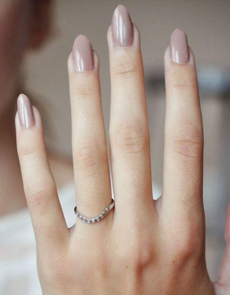 Długie pastelowe paznokcie na ślub