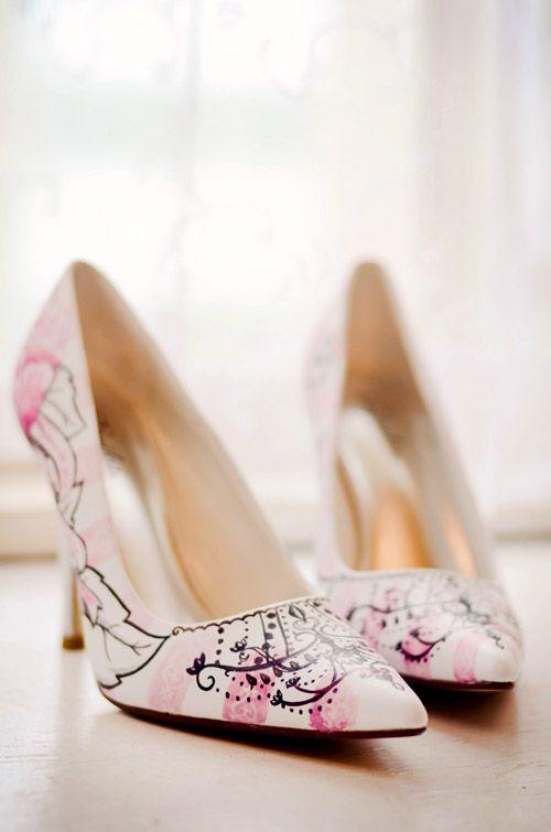Malowane klasyczne buty na ślub na obcasie