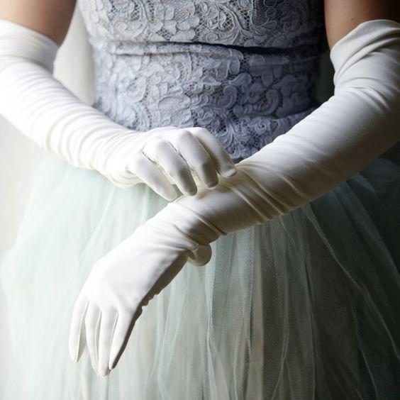 Gładkie długie rękawiczki dla Panny Młodej