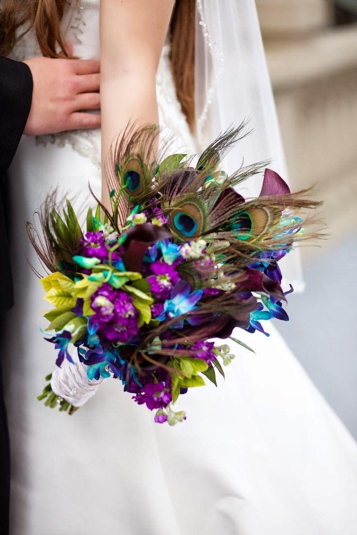 Bukiet ślubny z pawim oczkiem