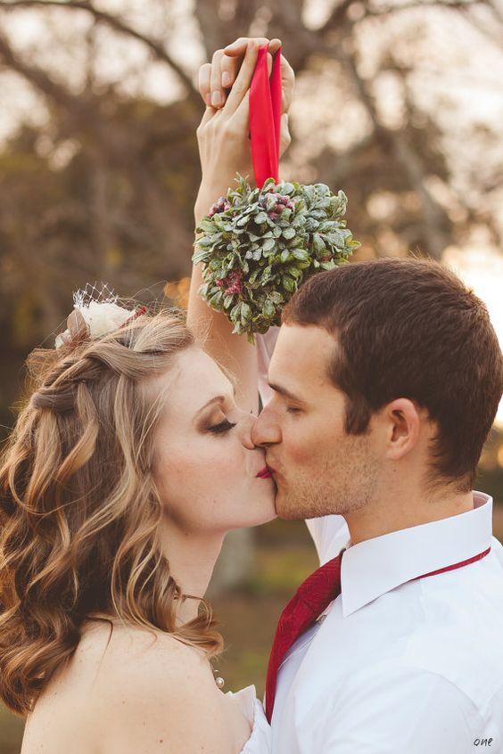 Para Młoda pod jemiołą - ślub w Święta