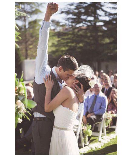Para Młoda na wiosennym ślubie