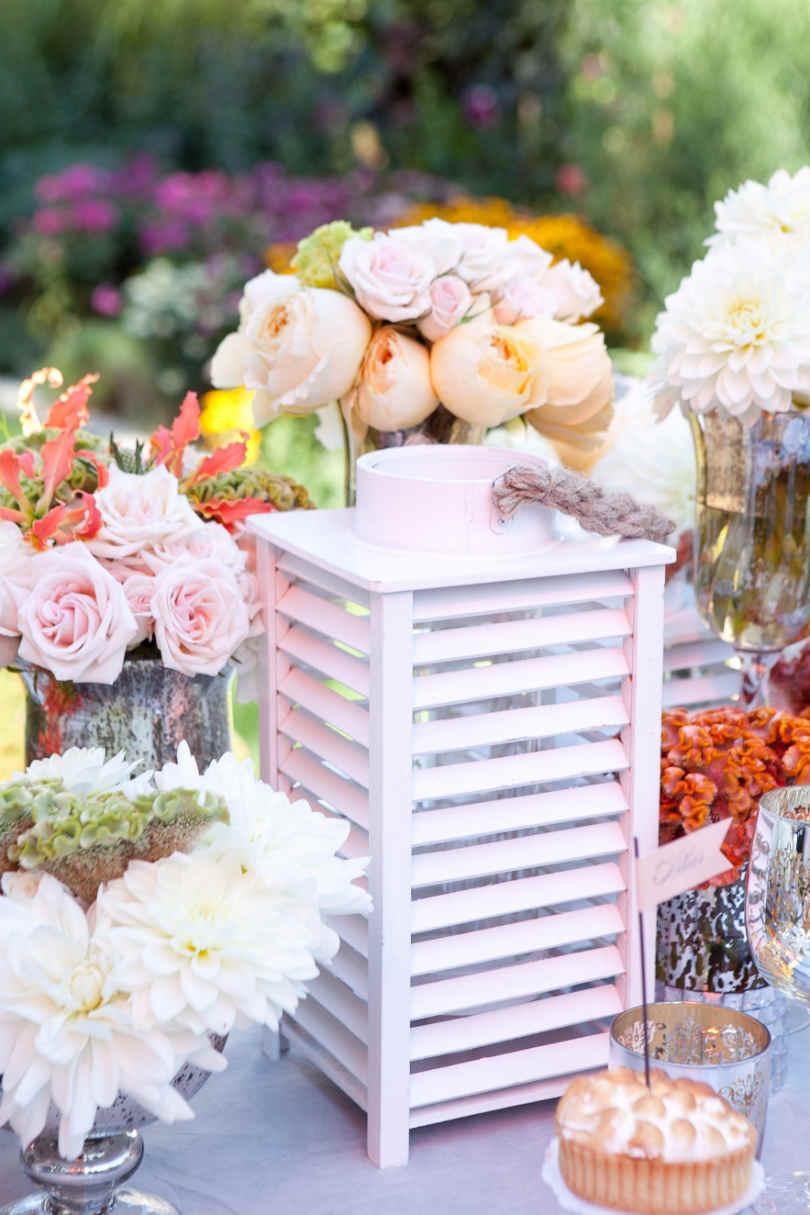 Romantyczne dekoracje na weselnym stole