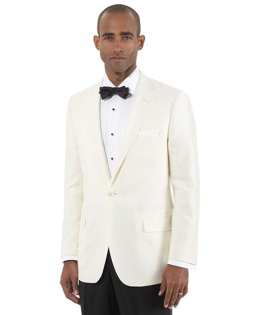 biały letni smoking na ślub