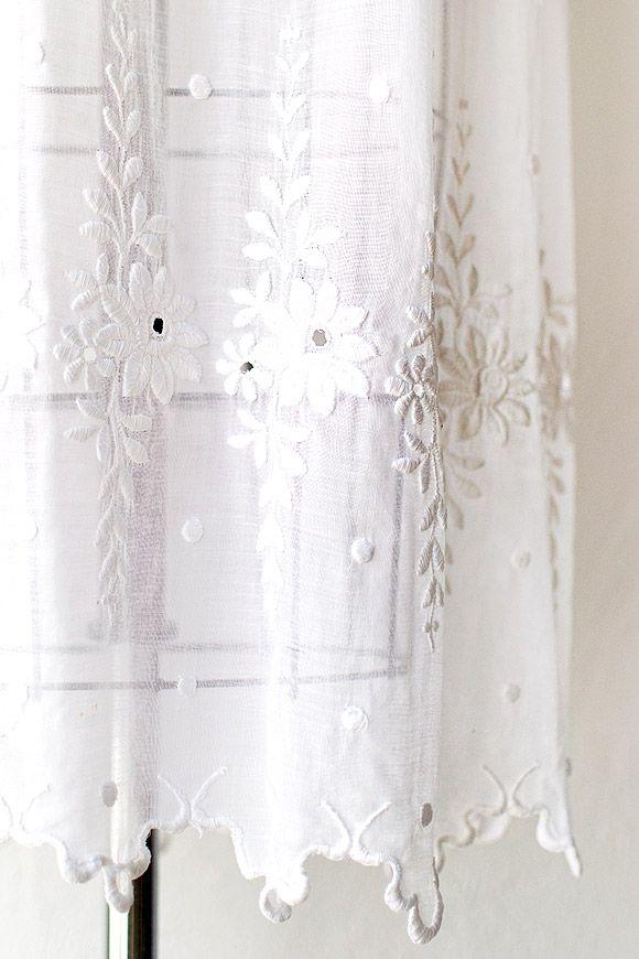 biały wzorzysty welon ślubny