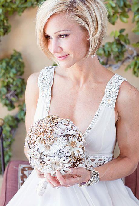 bukiet ślubny w stylu biedermeier