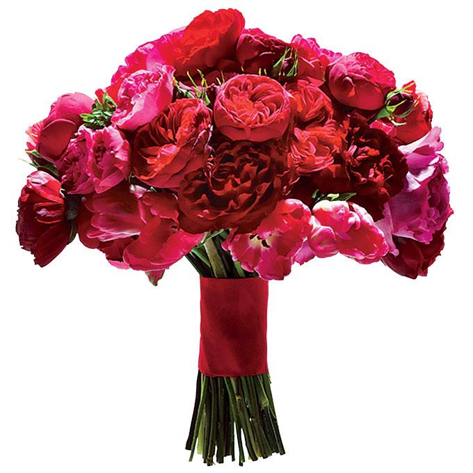 czerwone jaskry w eleganckiej wiązance ślubnej