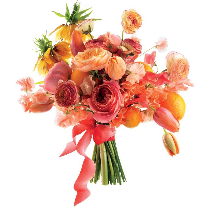figlarna kompozycja kwiatowa z różowymi tulipanami i mandarynkami