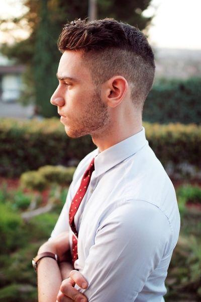fryzura dla pana młodego - lekko ekstrawagancki irokez