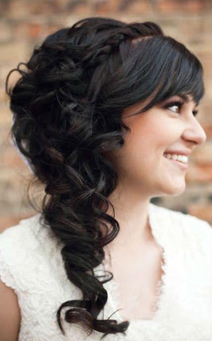 fryzura ślubna do twarzy z wysokim czołem