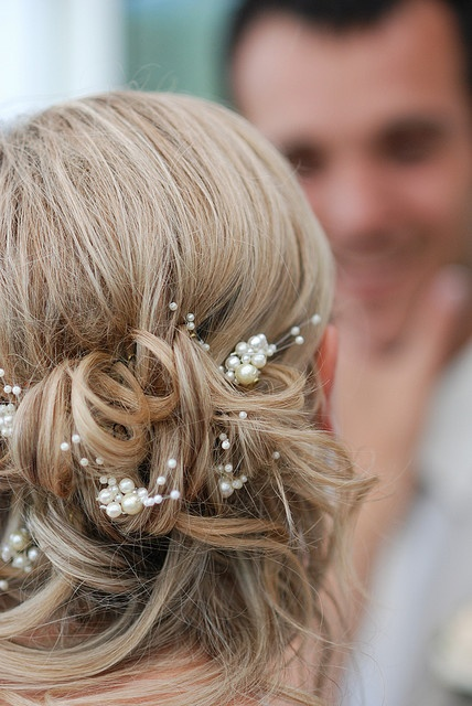 fryzura ślubna z prostych włosów