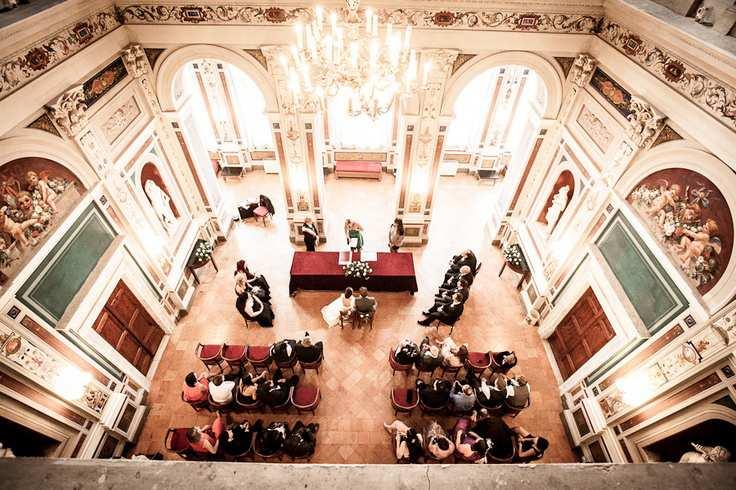 imponująca sala ślubów