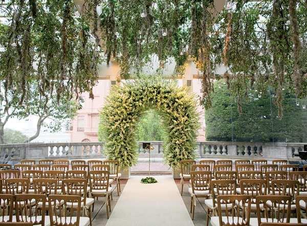 kwiatowa pergola ślubna