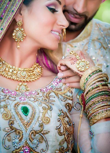 makijaż i ubiór panny młodej w Indiach