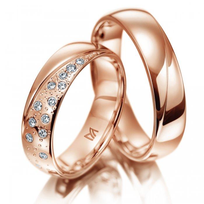 oryginalne obrączki z różowego złota z gwieździstymi brylantami