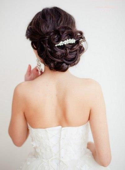 ozdobna spinka do fryzury ślubnej