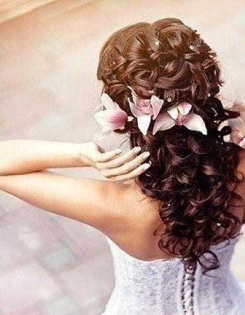 fryzura ślubna z lokami