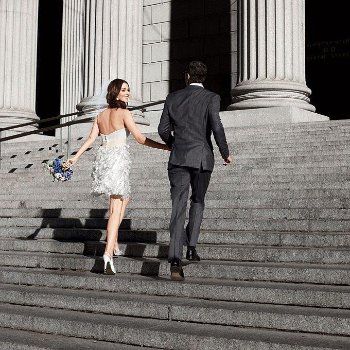 para młoda w drodze na ślub cywilny