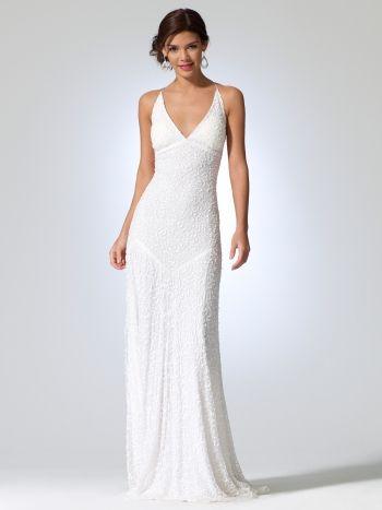 prosty fason sukni ślubnej