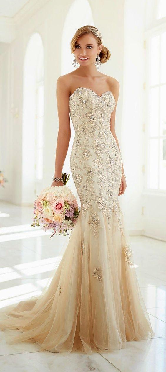 Suknia ślubna w kolorze kości słoniowej - do jasnej karnacji