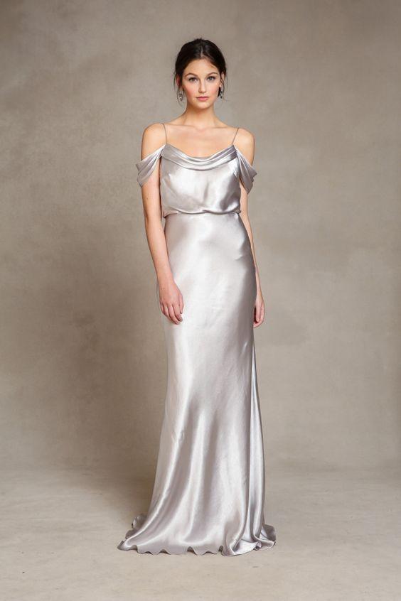 Srebrna suknia ślubna - do ciemnej karnacji
