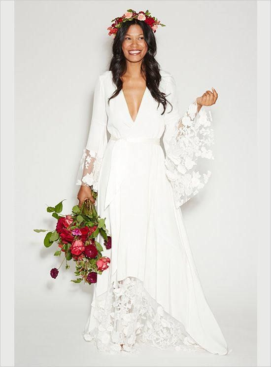 Suknia ślubna w śnieżnobiałym kolorze - do ciemnej karnacji