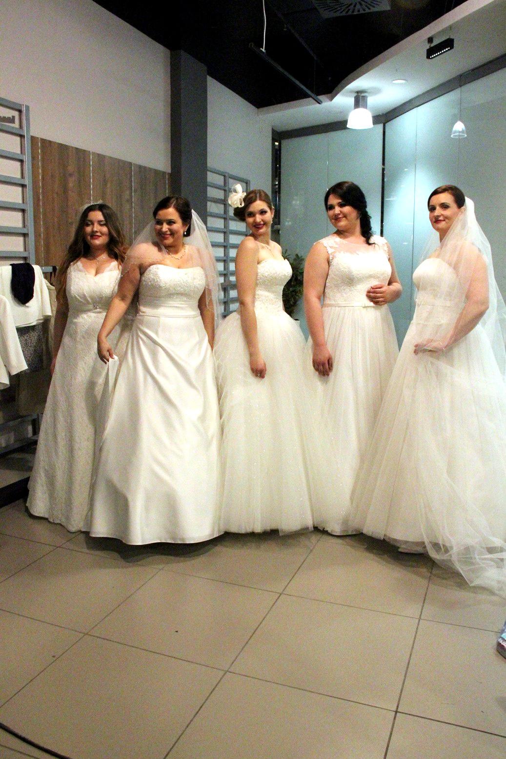 Panny Młode w sukniach ślubnych plus size