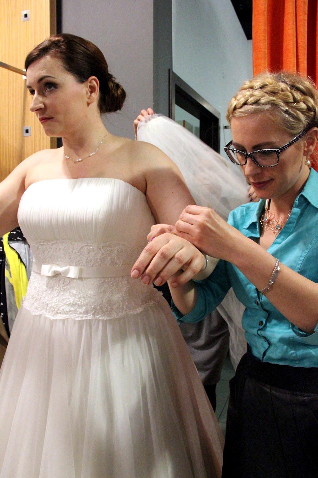Biżuteria w stylizacji ślubnej