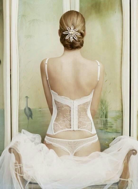 komplet bielizny ślubnej ze stringami