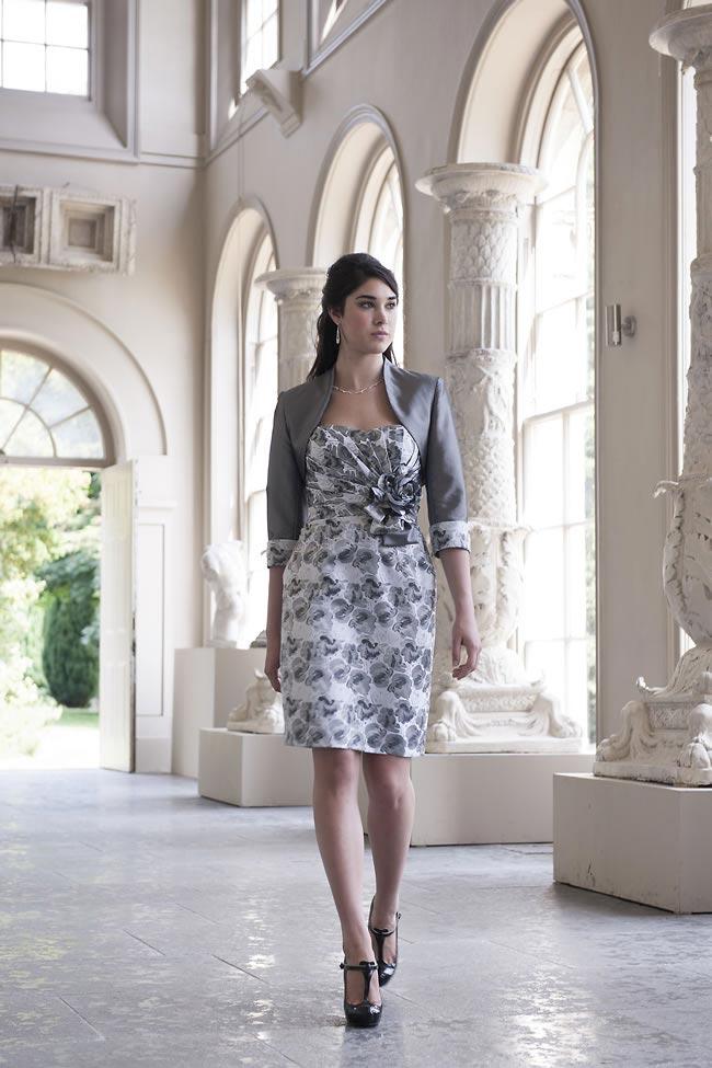 sukienka dla mamy panny młodej w kolorach szarości i bieli