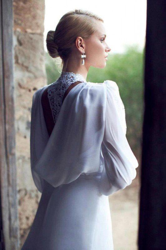 suknia ślubna w starodawnym stylu