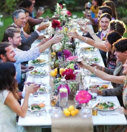 toast weselny wznoszony przez gości