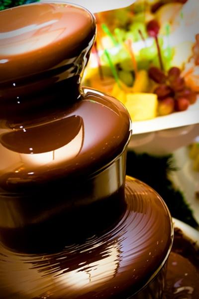 weselna fontanna z czekoladą