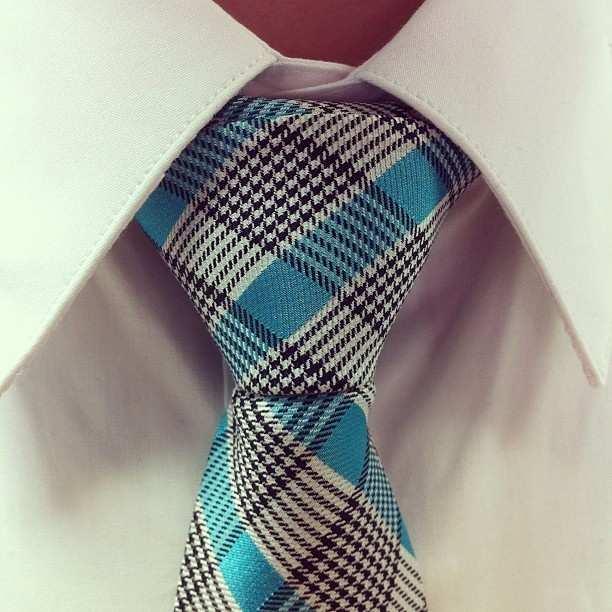 węzeł shelby wiązanie krawata