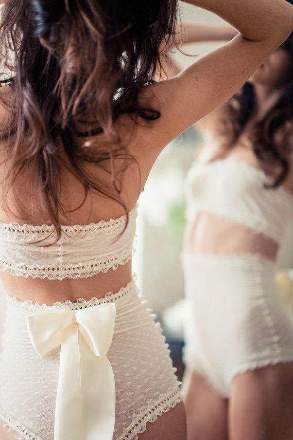 zestaw bielizny ślubnej z wysokimi szortami